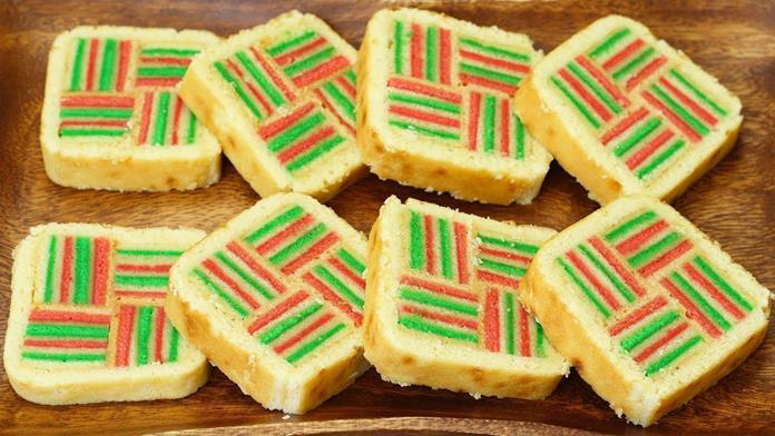 Malezya usulü renkli kekler