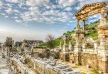 çeşme'nin tarihi yerleri