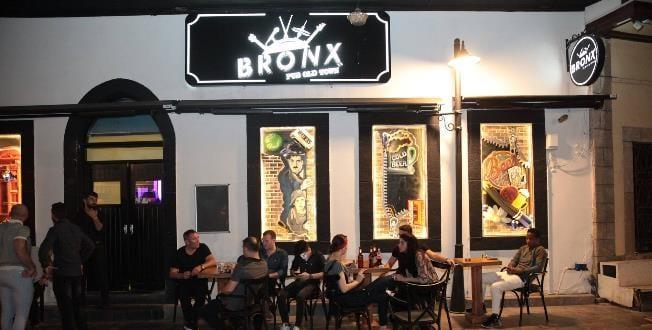 Bronx Pub Old Town