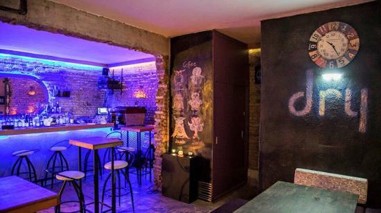 Dry Cafe & Bar