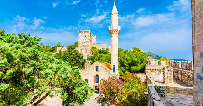 Kızılhisarlı Mustafa Paşa Camii
