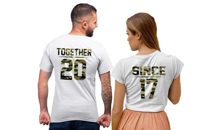 Çift tişörtü
