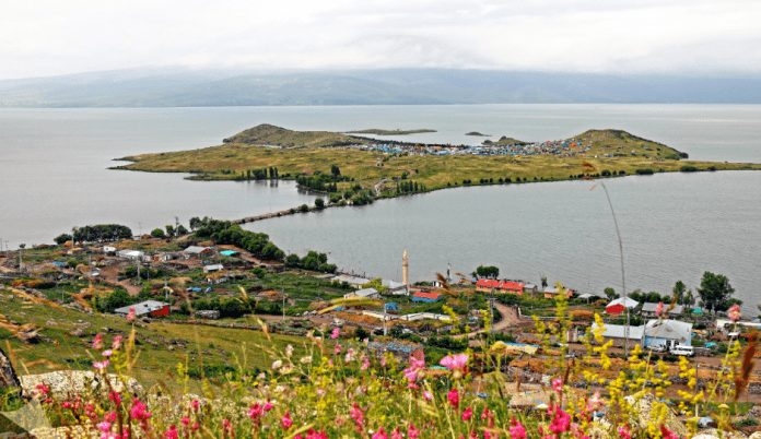 akçakale ada şehir kalıntıları