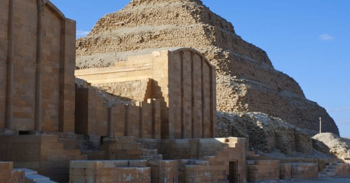 Saqqara Piramitleri