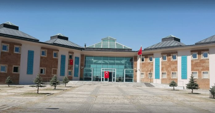 ahlat müzesi