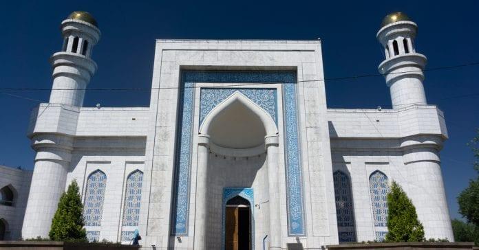 Almati Merkez Camii