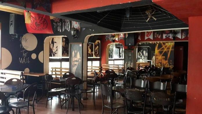 M & M Rock Bar
