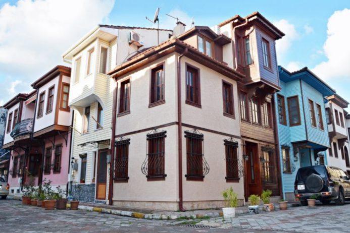 Tarihi Girit Mahallesi