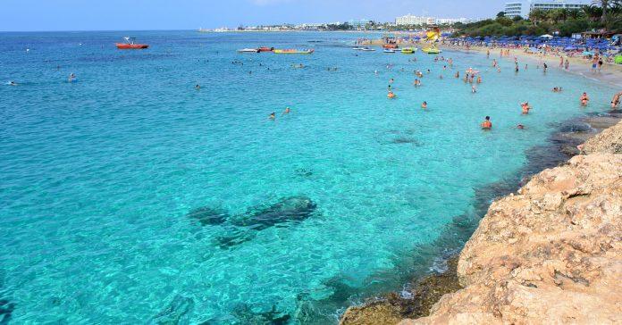 Glyki Nero Plajı