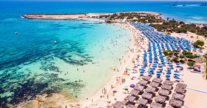 Makronisos Plajı
