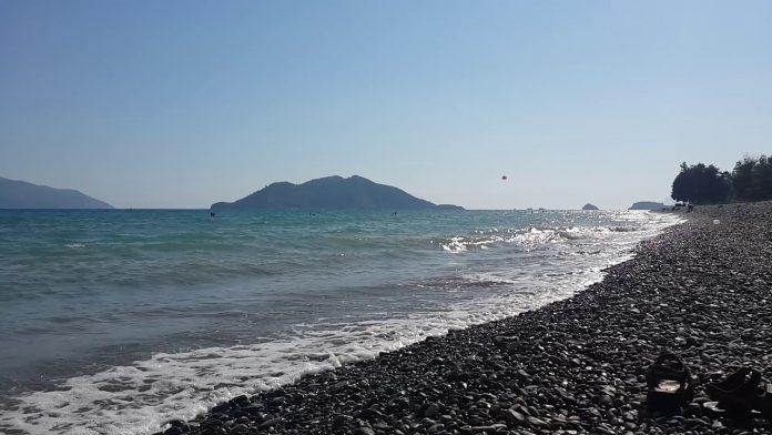 Akmaz Plajı