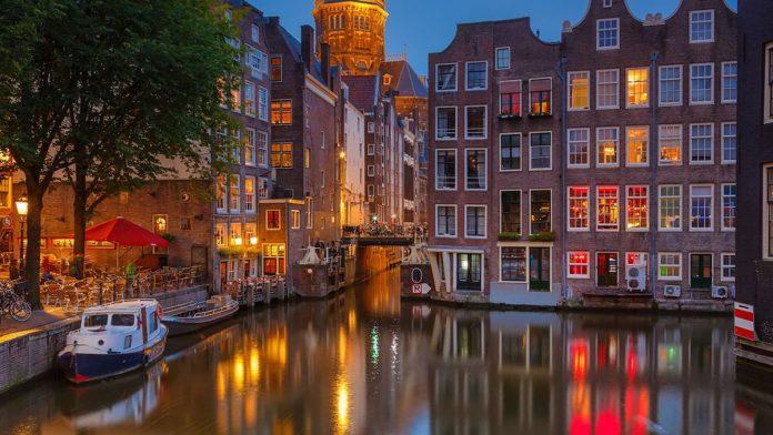 Amsterdam Konaklama Alternatifleri