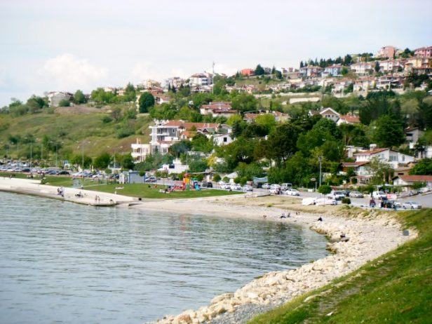 Beylikdüzü Gürpınar Sahili Halk Plajı