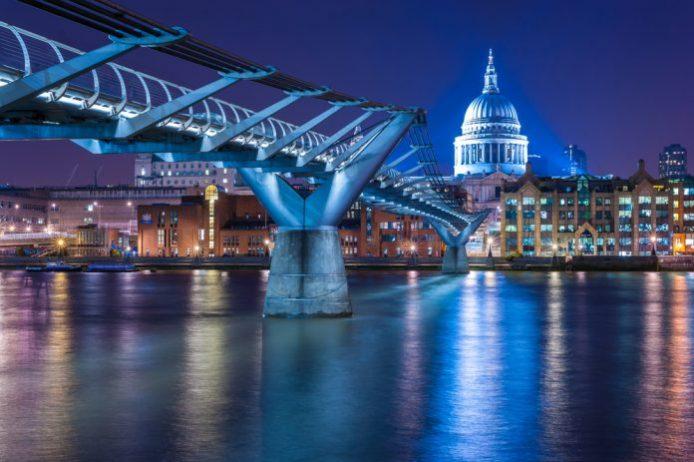 Millennium Köprüsü