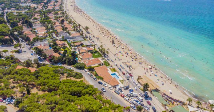 alaçatı plajı