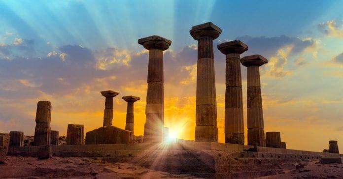 Assos Tarihi Yerler