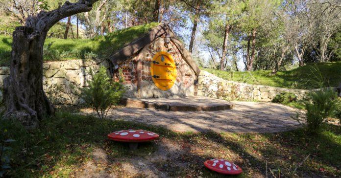 Darıca Hobbit Köyü