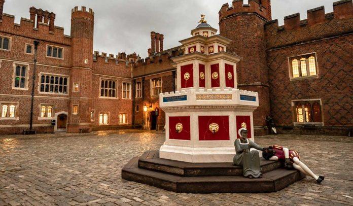 Hampton Court Sarayı