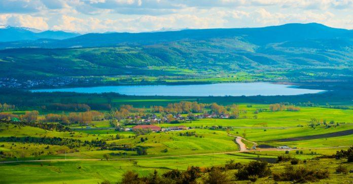 yeniçağa gölü