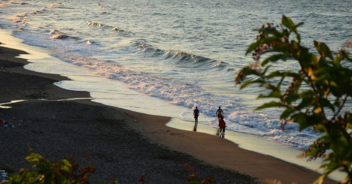 çınaraltı plajı
