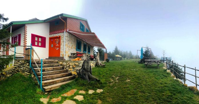 Nayino Dağ Evi