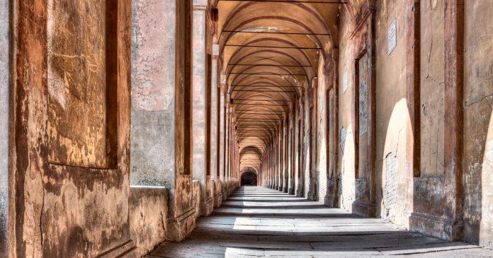Portico di San Luca
