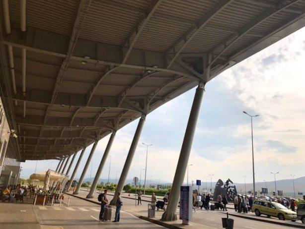 Priştine Havalimanı Ulaşım