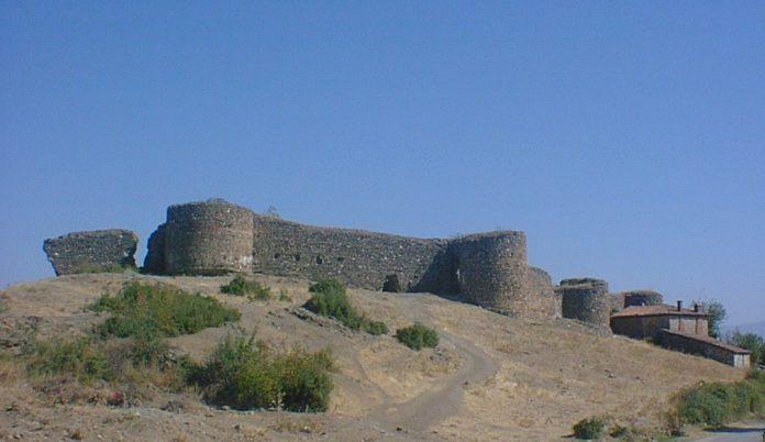 Hisar Köyü Kalesi