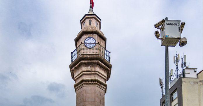 Saat Kulesi ve Saathane Meydanı