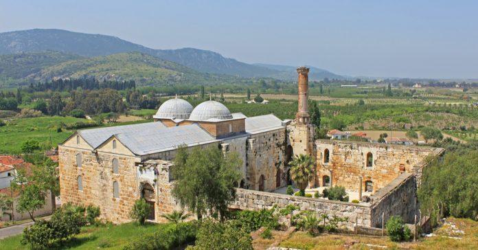Selçuk İsa Bey Camii