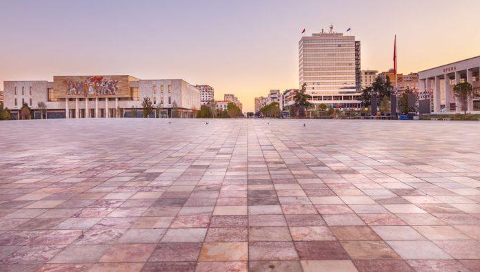İskender Bey Meydanı (Skanderbeg Meydanı)