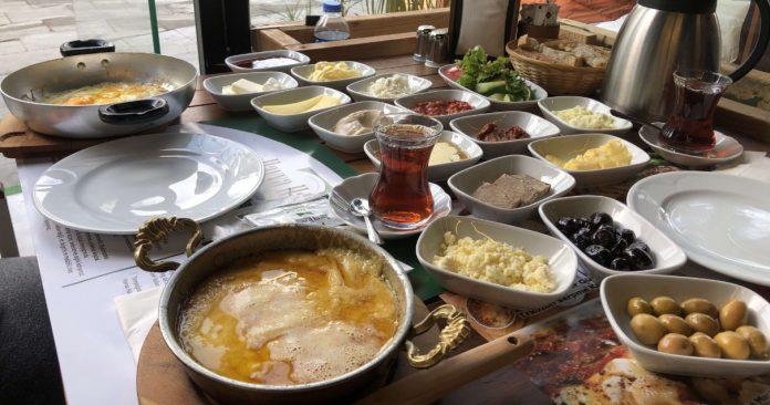 Havva Hanım Trabzon Köy Kahvaltısı