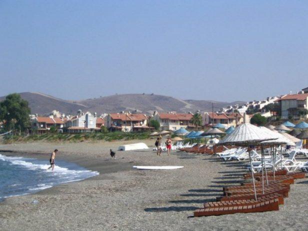 Ömür Beldesi Halk Plajı