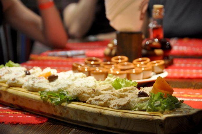Sofya'da Geleneksel Yemek ve Şarap Tadım Turu