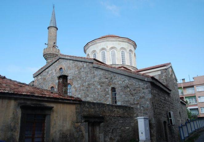 Yeni Cuma Camii