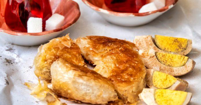 İzmir Boyoz Yemeği