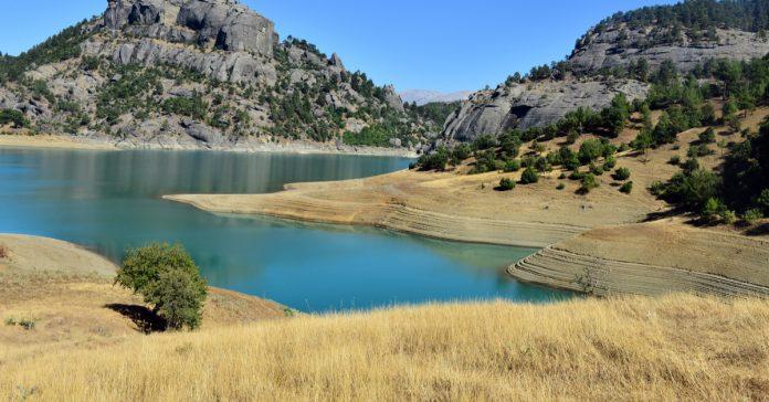 Menzelet Baraj Gölü