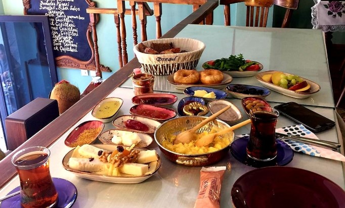 Nadide Breakfast