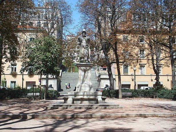 Place Sathonay