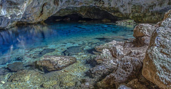 Zeus Mağarası