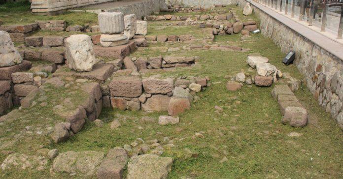 austus tapınağı