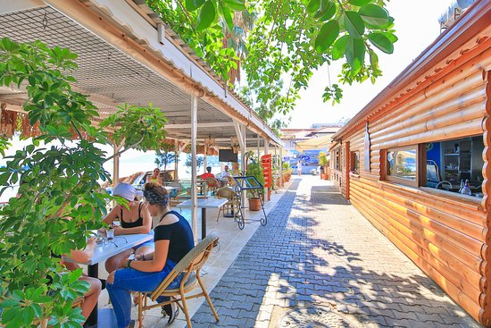 mumi cafe beach
