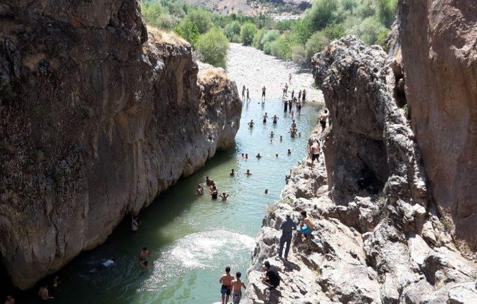 Bırkleny Mağarası Kamp Alanı