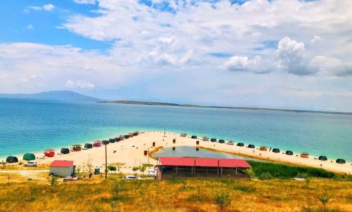 Çakıl Adası Plaj ve Kamp Alanı