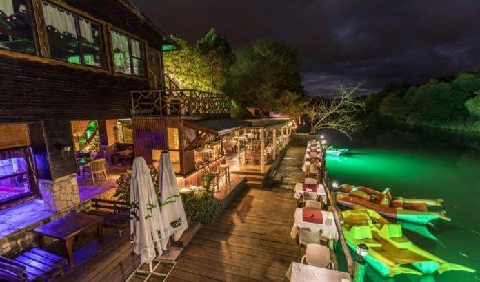 El Rio Cafe & Restaurant
