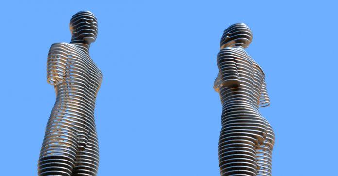 ali & nino heykeli