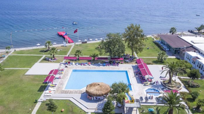 Altıner Otel Plajı