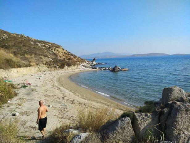 Bayraklı Plajı