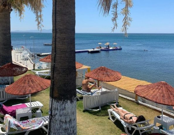 Elma Beach Club