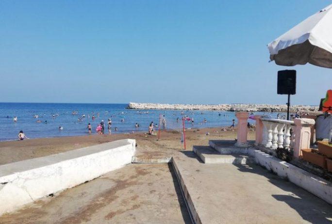 Erdemli Topraklı Plajı